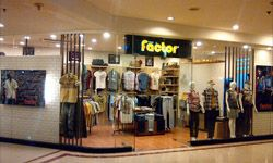 Store Location Plaza Surabaya 1 st Floor unit 39 plaza surabaya